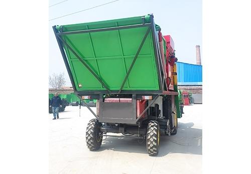 厂家来介绍玉米双收机特点以及优点